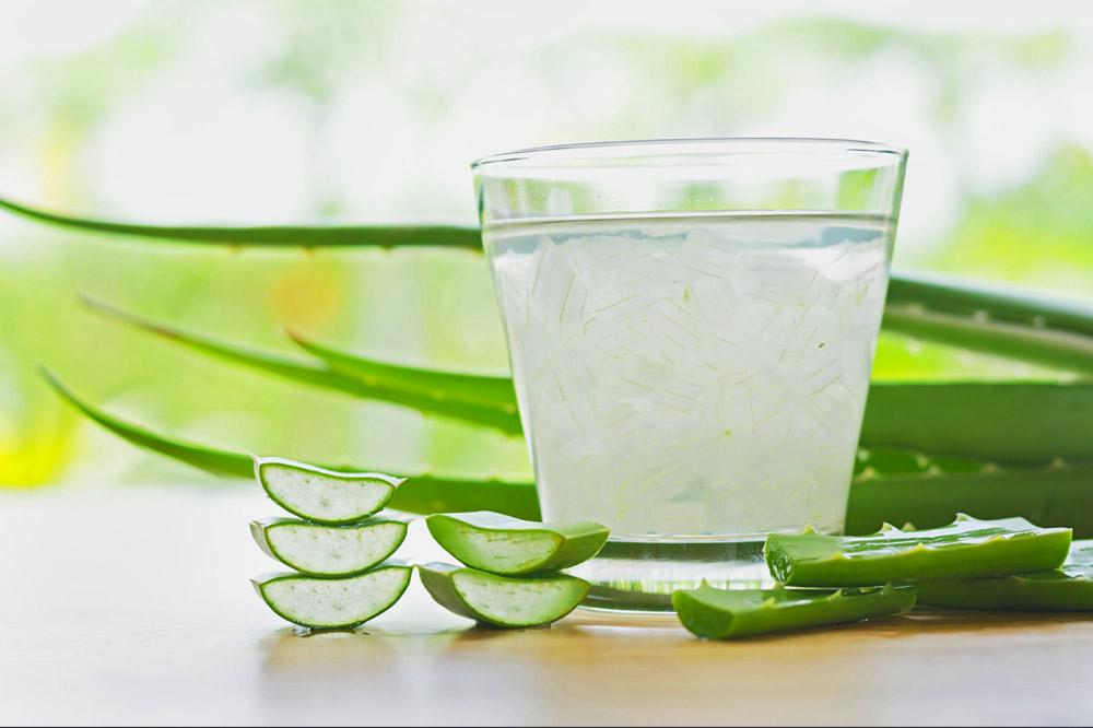 Preparati contenenti ingredienti naturali come l'aloe